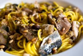 """Pasta con le sarde (pasta ch""""i sardi)"""
