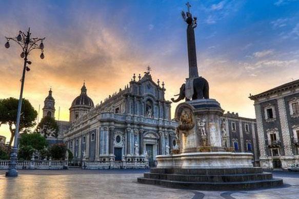 Visita Catania ed Acitrezza